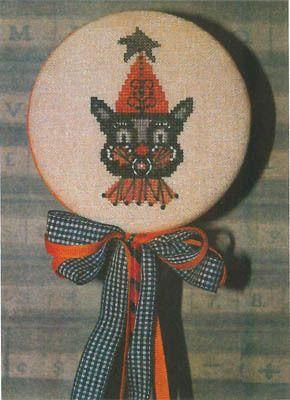 Black Cat & Star - Cross Stitch Pattern