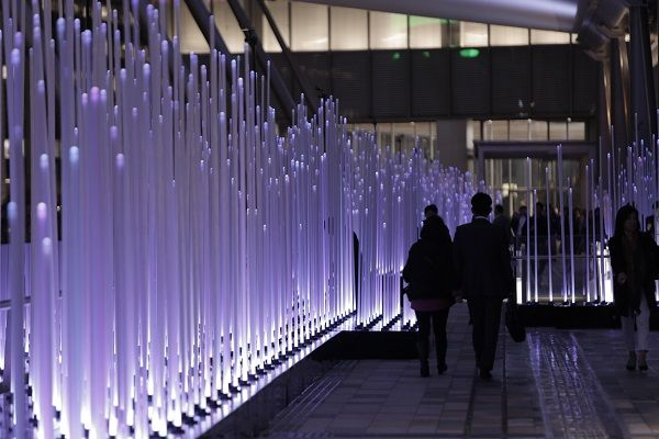 風を感じて変わるイルミネーション 東京駅グランルーフ - ジョルダンニュース!