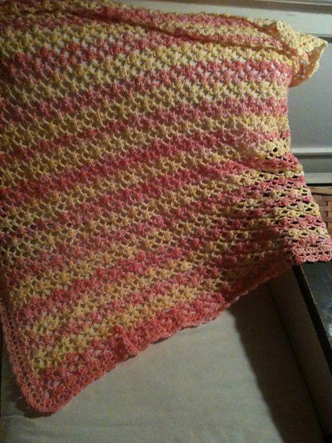Crochet baby blanket. Pattern by Bernat #4731 made from Bernat ...