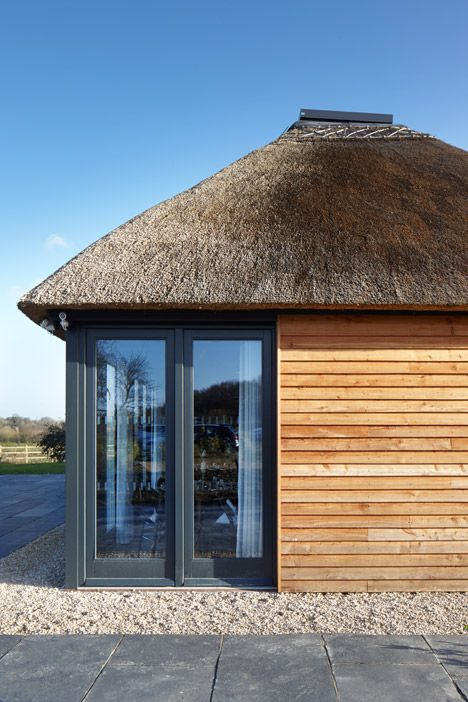 The Woodspeen Restaurant And Cookery School By Softroom Architects Architecture Exterior Architecture Thatched Roof