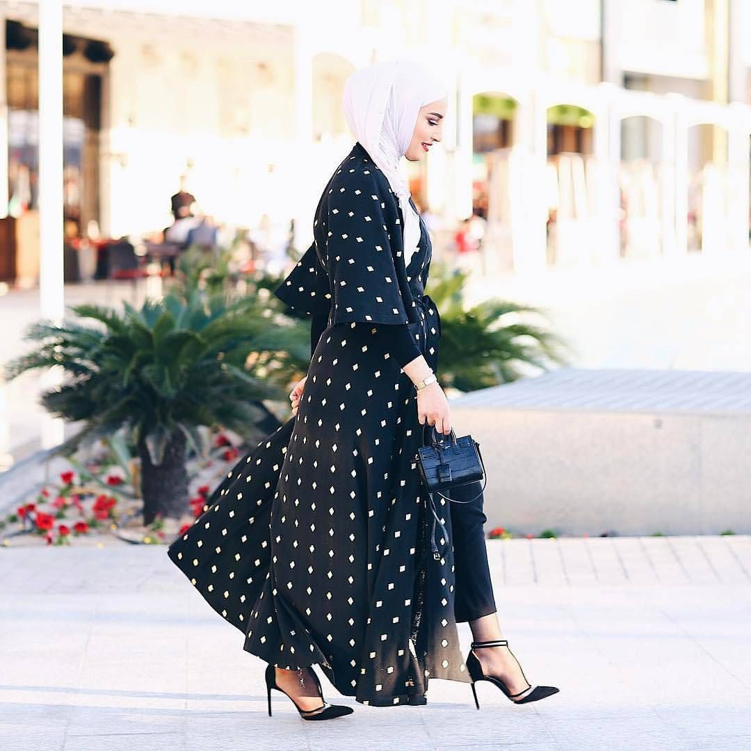 Photo of Instagram post by 👸 hijab style icon 👸 • Feb 27, 2017 at 2:13am UTC