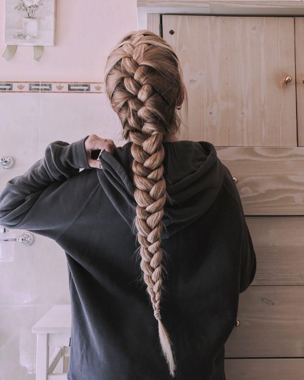 французские косы фото на длинные волосы ход идет цветная
