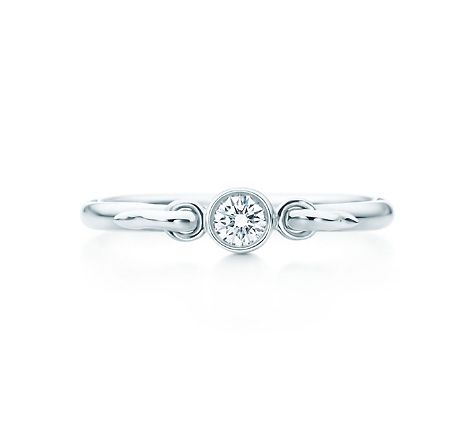 67ec00611 Tiffany & Co. | Item | Elsa Peretti® Swan ring in sterling silver with a  diamond. | United States
