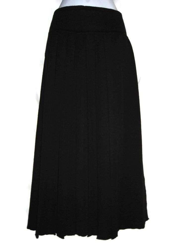 feeb3c6d358 UNITED COLORS OF BENETTON Womens Black 100% Wool Skirt Size Small 44  Pleated  Benetton  ALine  WoolSkirt  MaxiSkirt  Italian
