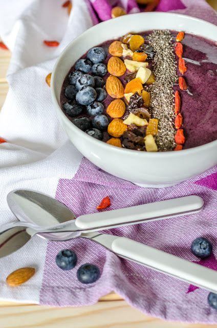 {Breakfast Love} Blueberry Açai Bowl