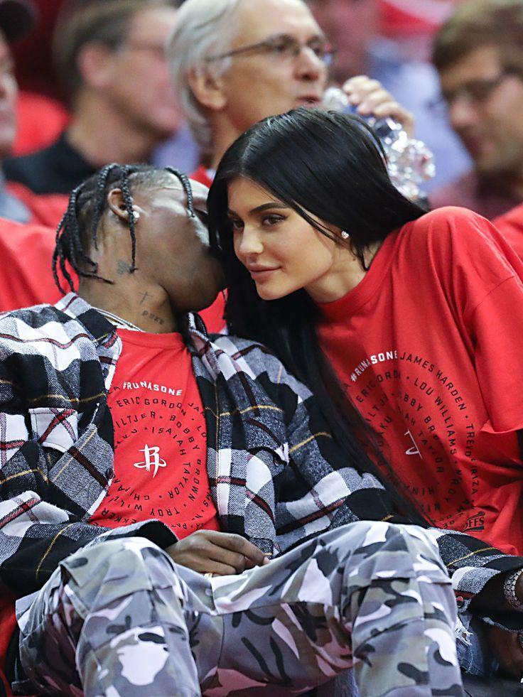 Trending Kylie Jenner :  L'incroyable cadeau de Travis Scott pour Kylie Jenner #travisscottwallpapers