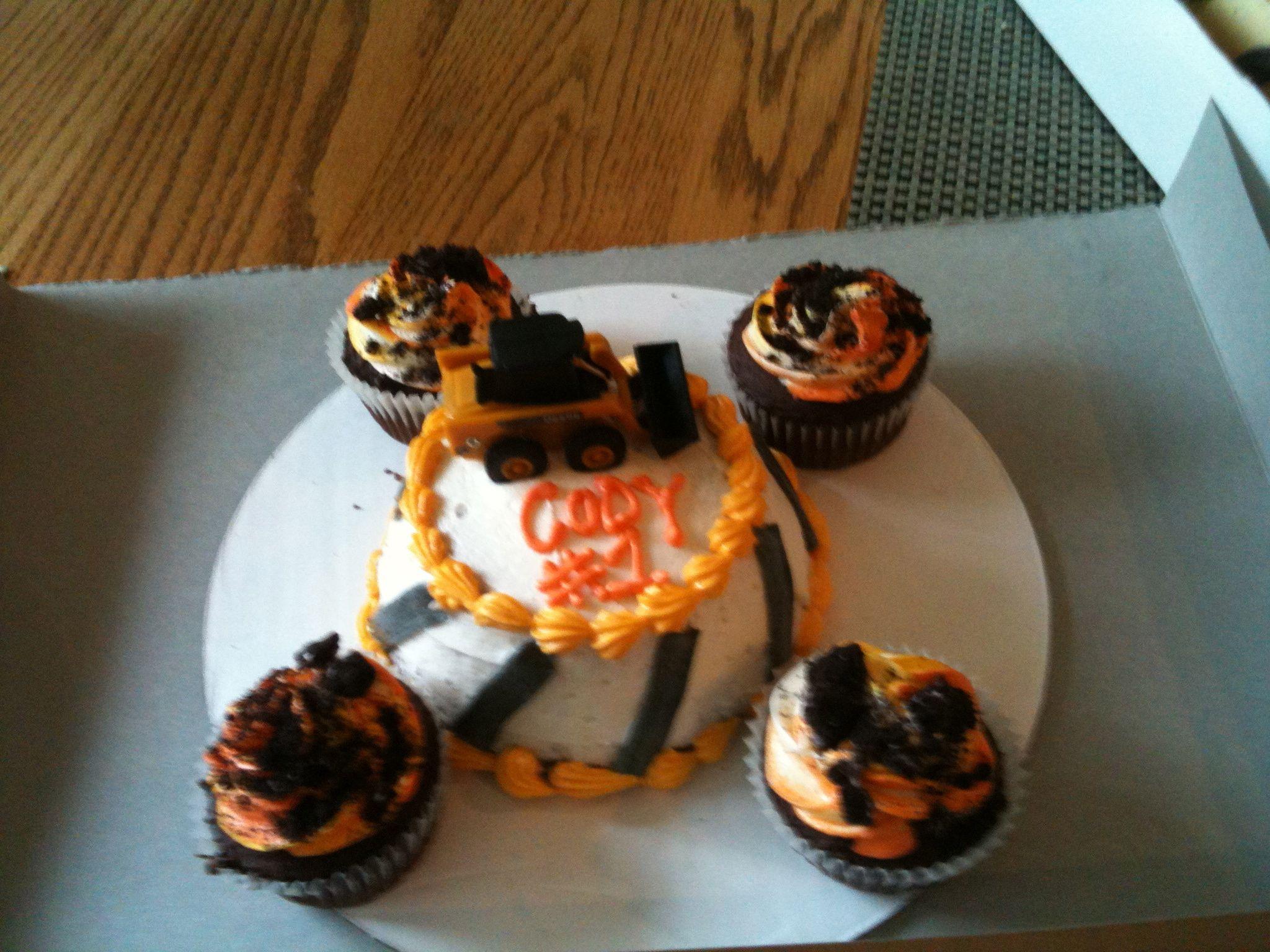 !st bday cake to match Construction Cake.