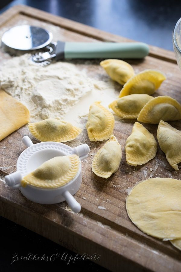 Vegetarian ravioli with mushroom, ricotta and parsley filling -  Homemade vegetarian ravioli with mushroom, ricotta and parsley filling – zimtkeksundApfelt …  - #filling #Gnocchi #GreekFoodRecipes #IndiaFood #mushroom #parsley #ravioli #ricotta #RomanianRecipes #SicilianFood #vegetarian