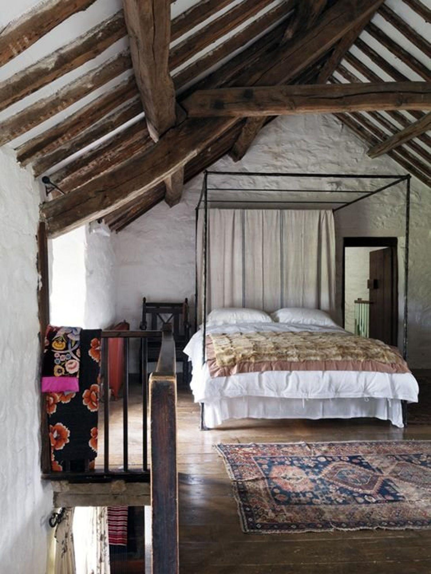 A Gallery of Cozy Cottage Interiors   Interior de casa de ...