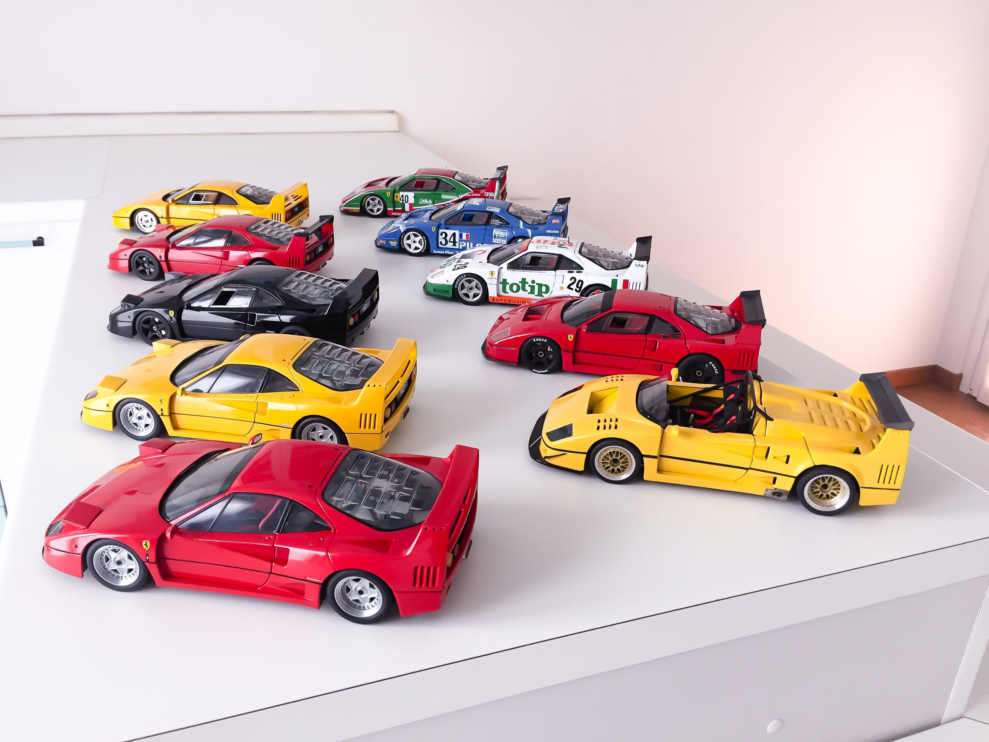 Pin Auf Ferrari 1 18 Models