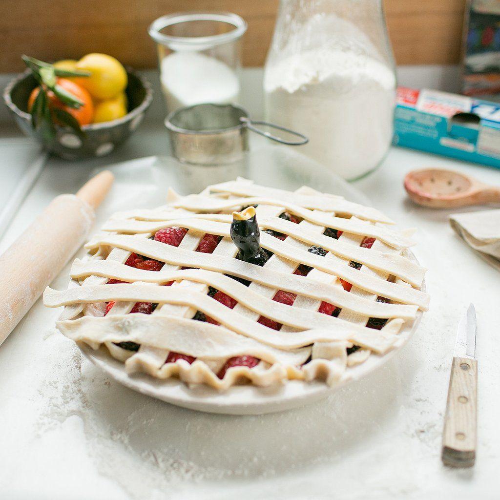 Ceramic pie bird easy bake oven oven and pies