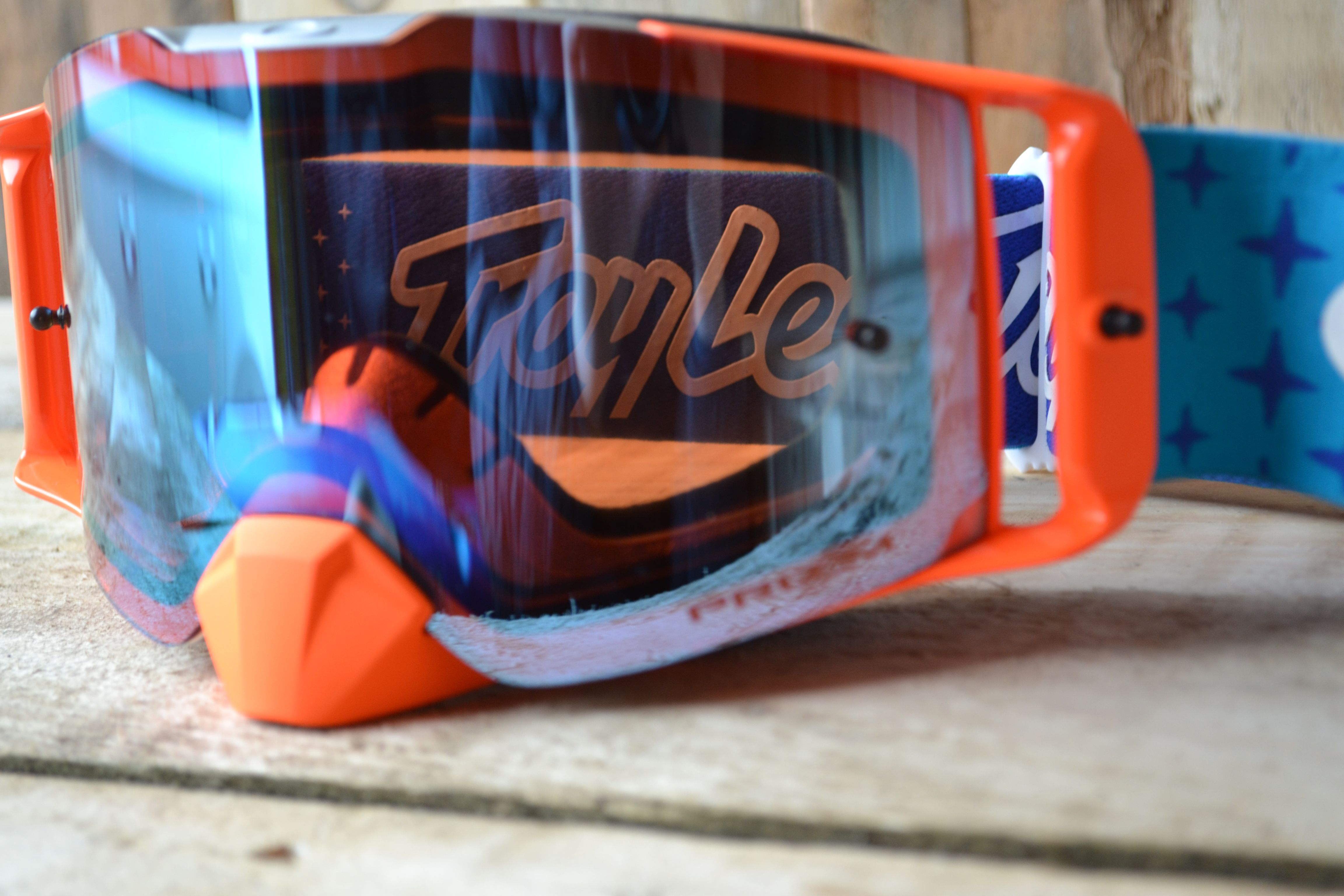 3e37eda70b0d Oakley has released the all-new Front Line MX goggle as the latest addition  to their high impact line of motocross goggles with a list of high-end  features ...