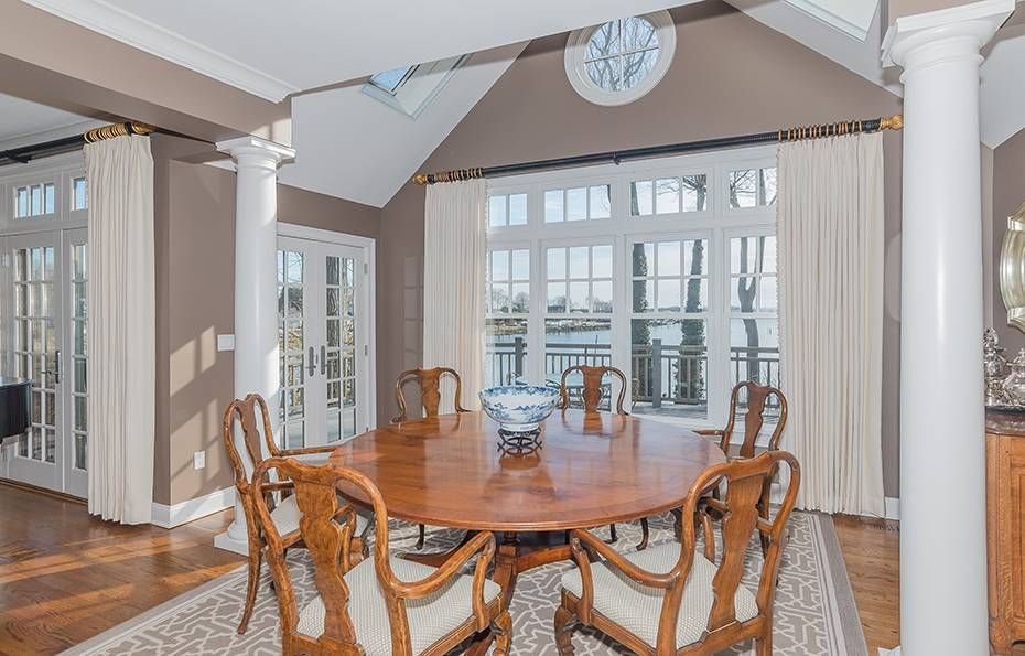 14 Thomas Place Norwalk Ct Connecticut 06853 Rowayton Norwalk Real Estate Norwalk Home For Sale Family Room Fireplace Condo Living Home Buying