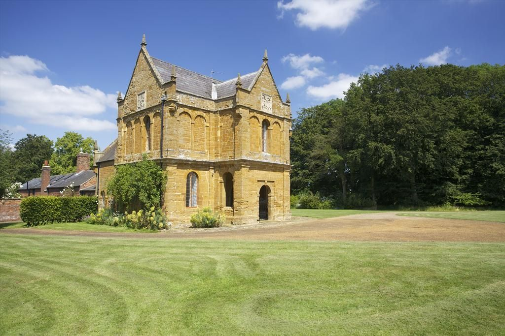 Althorp Estate | The Falconry » Spencer of Althorp