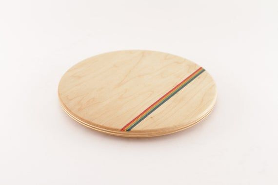 UNrolled US maple wood kitchenboard and recycled skateboards