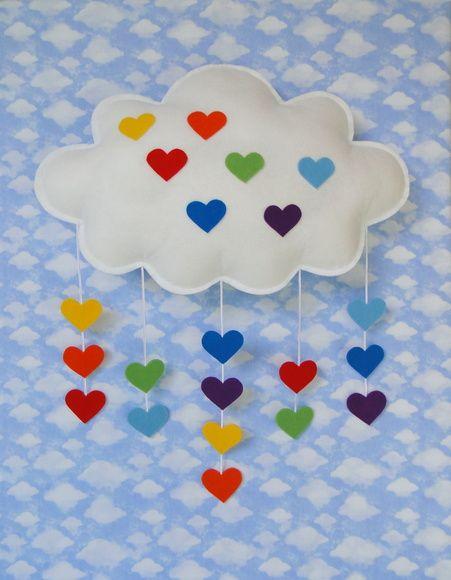 Nuvem ARCO ÍRIS 1 Coração Feltro