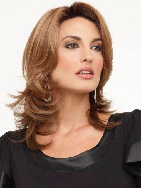 16 Striking Layered Hairstyles for Medium Length Hair | Medium hair styles, Square face ...
