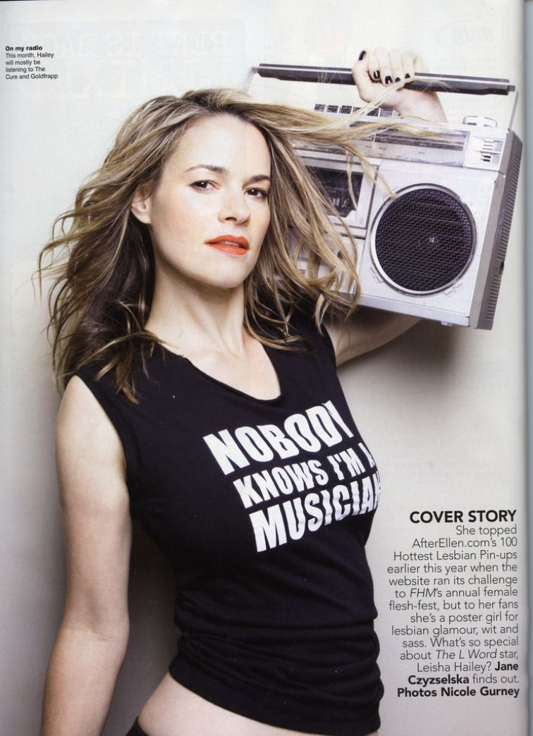 The L Word's Leisha Hailey and Uh Huh Her Bandmate-Girlfriend Camila Grey Kicked Off Southwest Airlines Flight