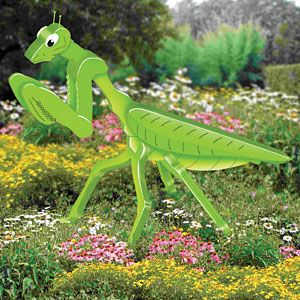 Giant 3d Preying Mantis Diy Woodcraft Pattern 2398 Display This Creature In Your Garden And Prepare Yourself Fo Wood Craft Patterns Yard Art Garden Crafts