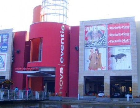 Nove Eventis Shoppingcenter Nova Broadway Show Signs