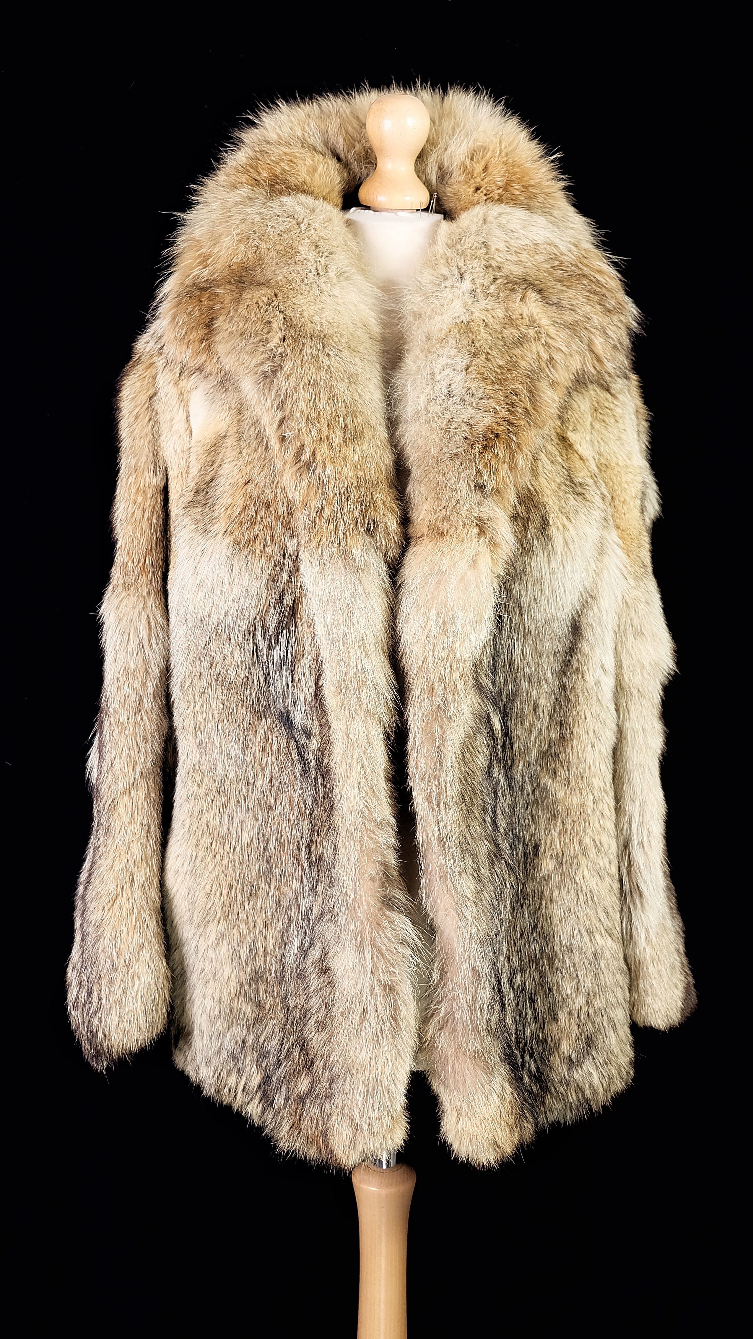 Wolf Fur Coat >> Vintage Wolf Real Fur Coat Jacket With Black White Grey And Red
