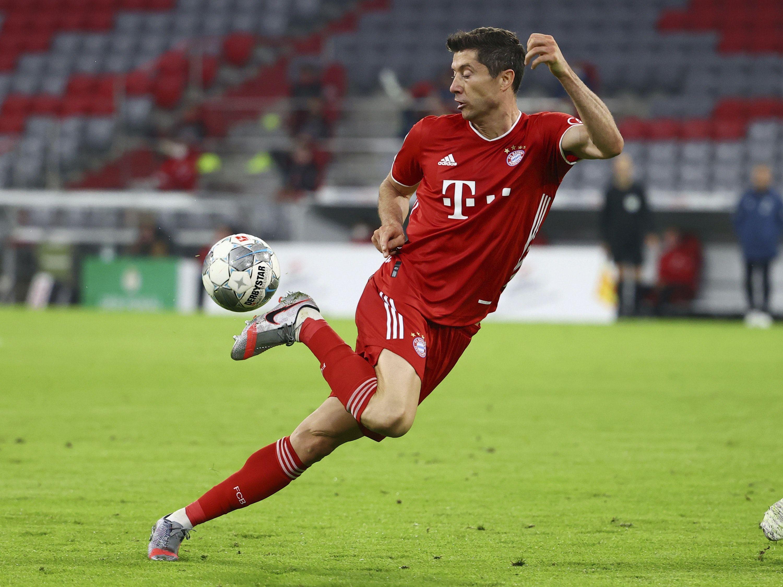 Robert Lewandowski Scores Again As Bayern Munich Reach Dfb Pokal Cup Final In 2020 German Cup Cup Final Bayern Munich