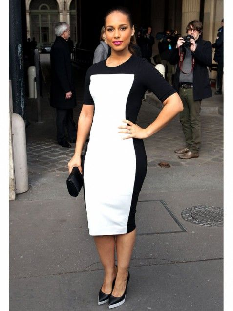 Alicia Keys uses colorblocks to show off her curves. #style http://www.ivillage.com/how-celebrities-dress-their-body-type/5-b-496535#