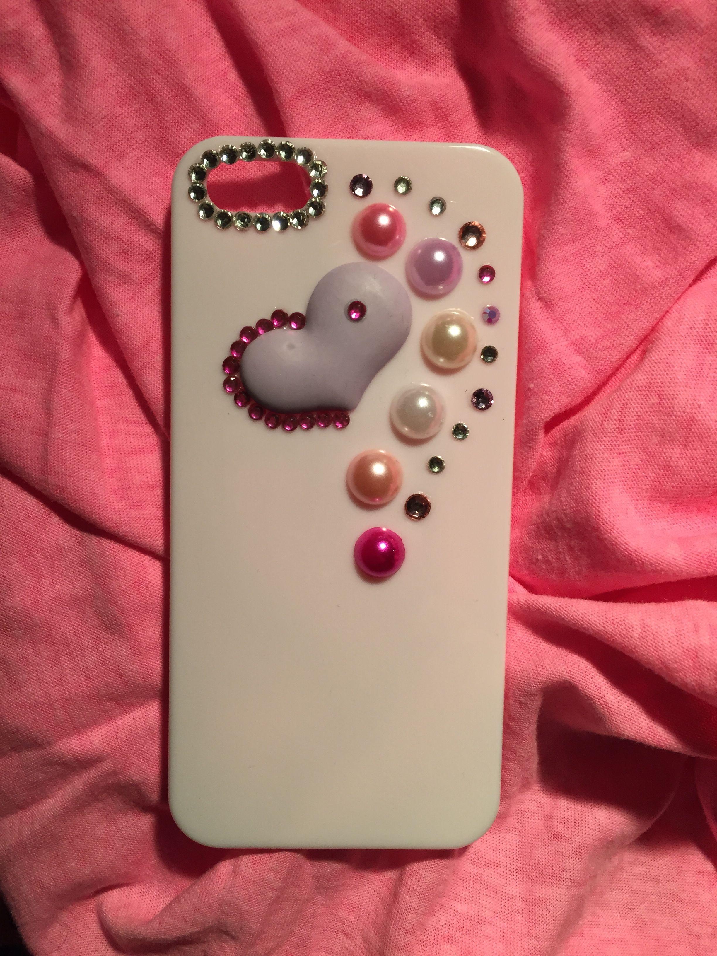 carcasa para tu iphone 5/5s, decorada en 3D con un precioso corazón lila y perlas 13€