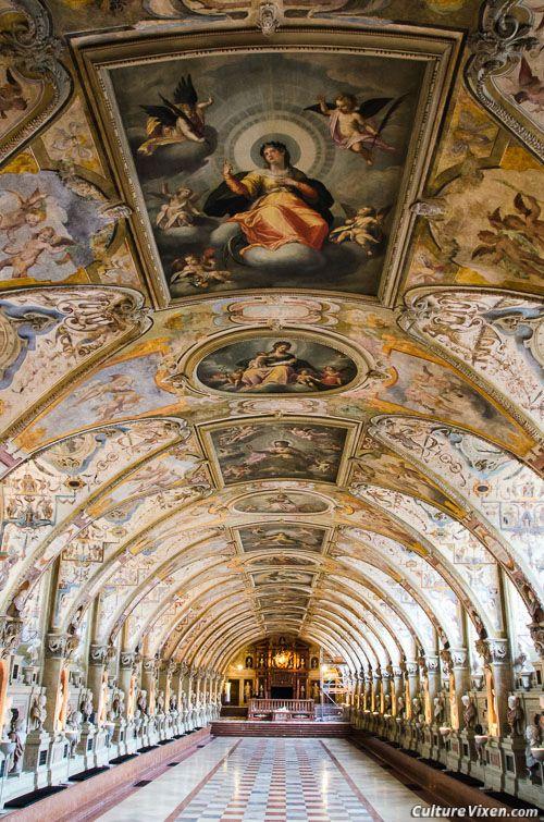 Munich Residenz: Antiquarium. visit http://www.reservationresources.com/
