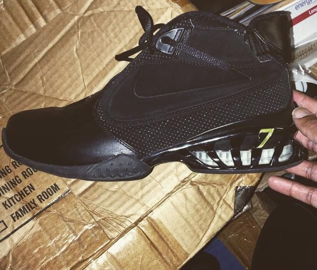d9274b381f40 The OG Nike Zoom Vick 2 Black Black brings original flavor to the Mike Vick  signature classic