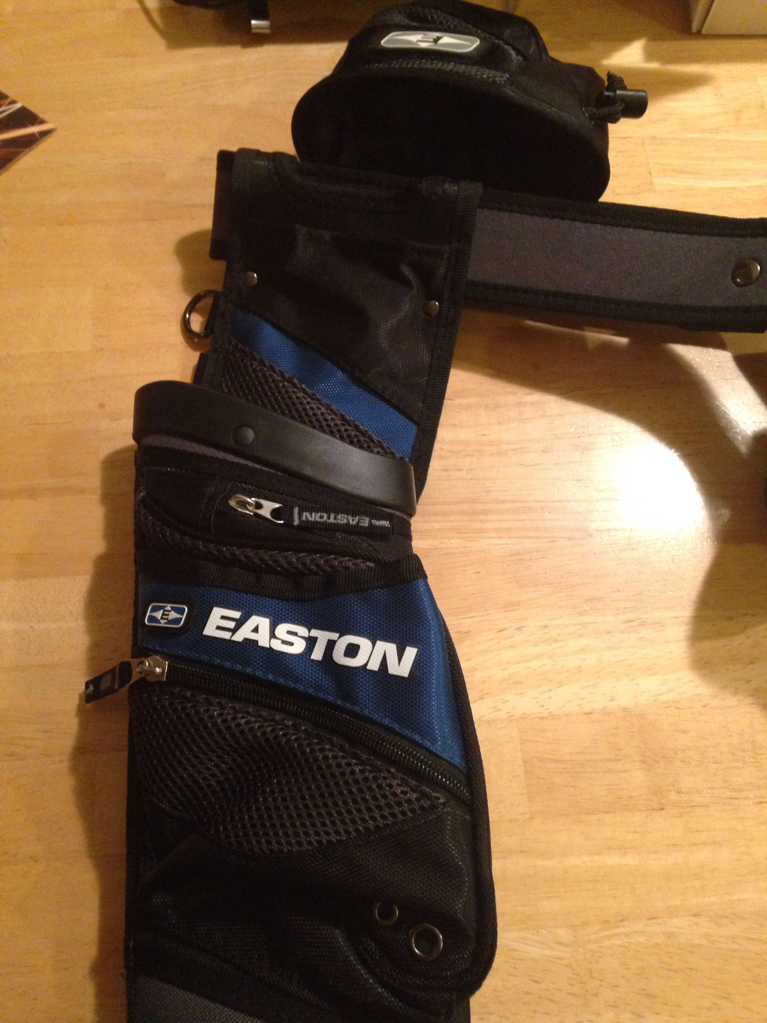 Easton field quiver! You can find these baby's on Lancaster archery supplies or any other popular archery dealers!