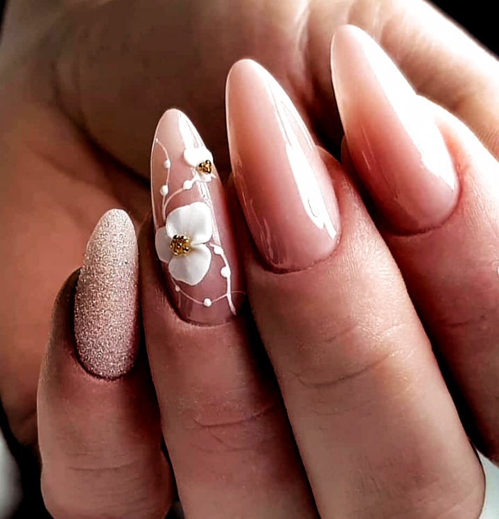 Acrylic Almond Chic Design Nails Natural Acrylic Almond Chic Design Nails Natural In 2020 Elegant Nail Designs Acrylic Nail Shapes Acrylic Nail Designs