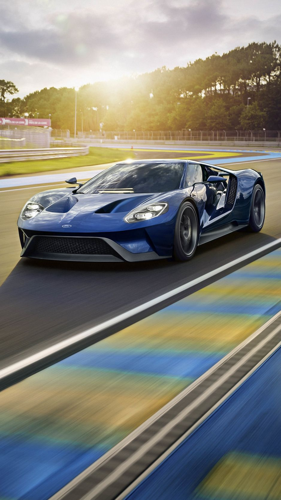 180 Gorgeous Cars Iphone Wallpapers Ford Gt Dream Cars Car Iphone Wallpaper