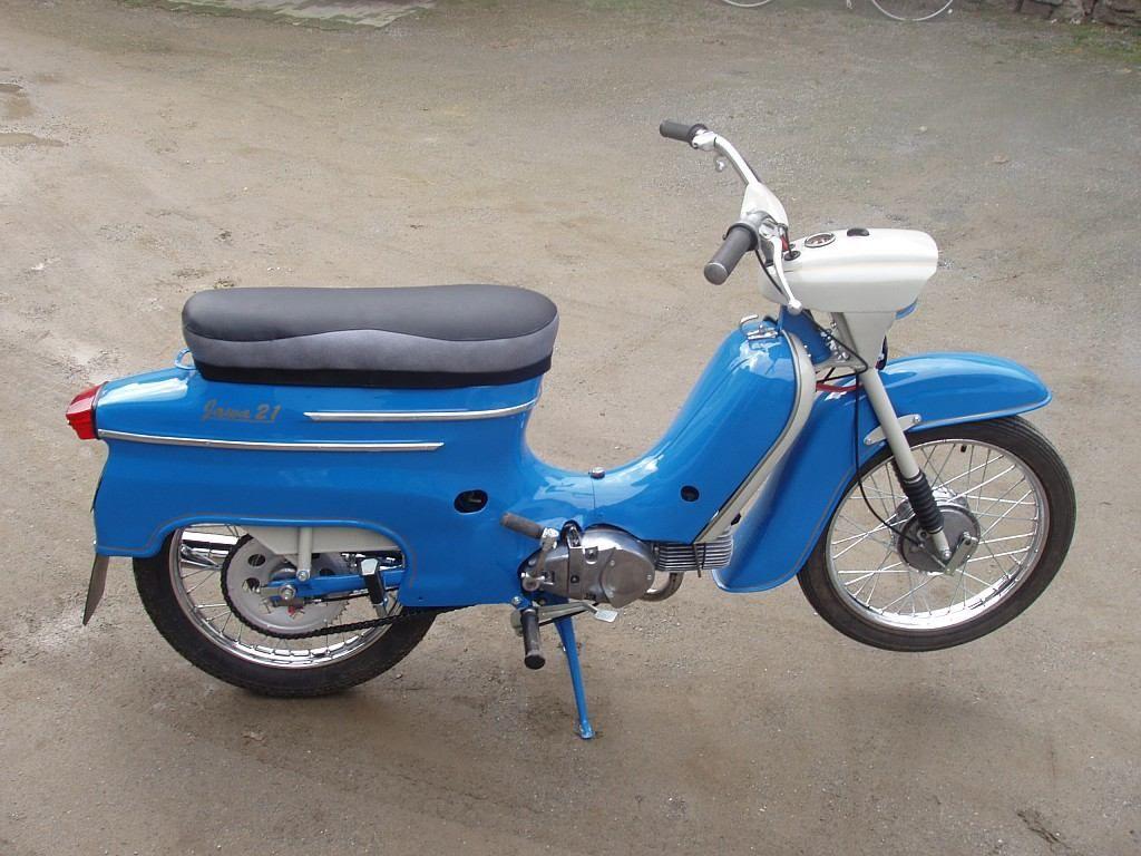 Jawa 50 With Images Old Bikes Old Motorcycles Moto Bike