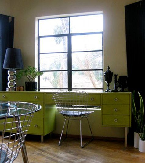 LOVE this green desk