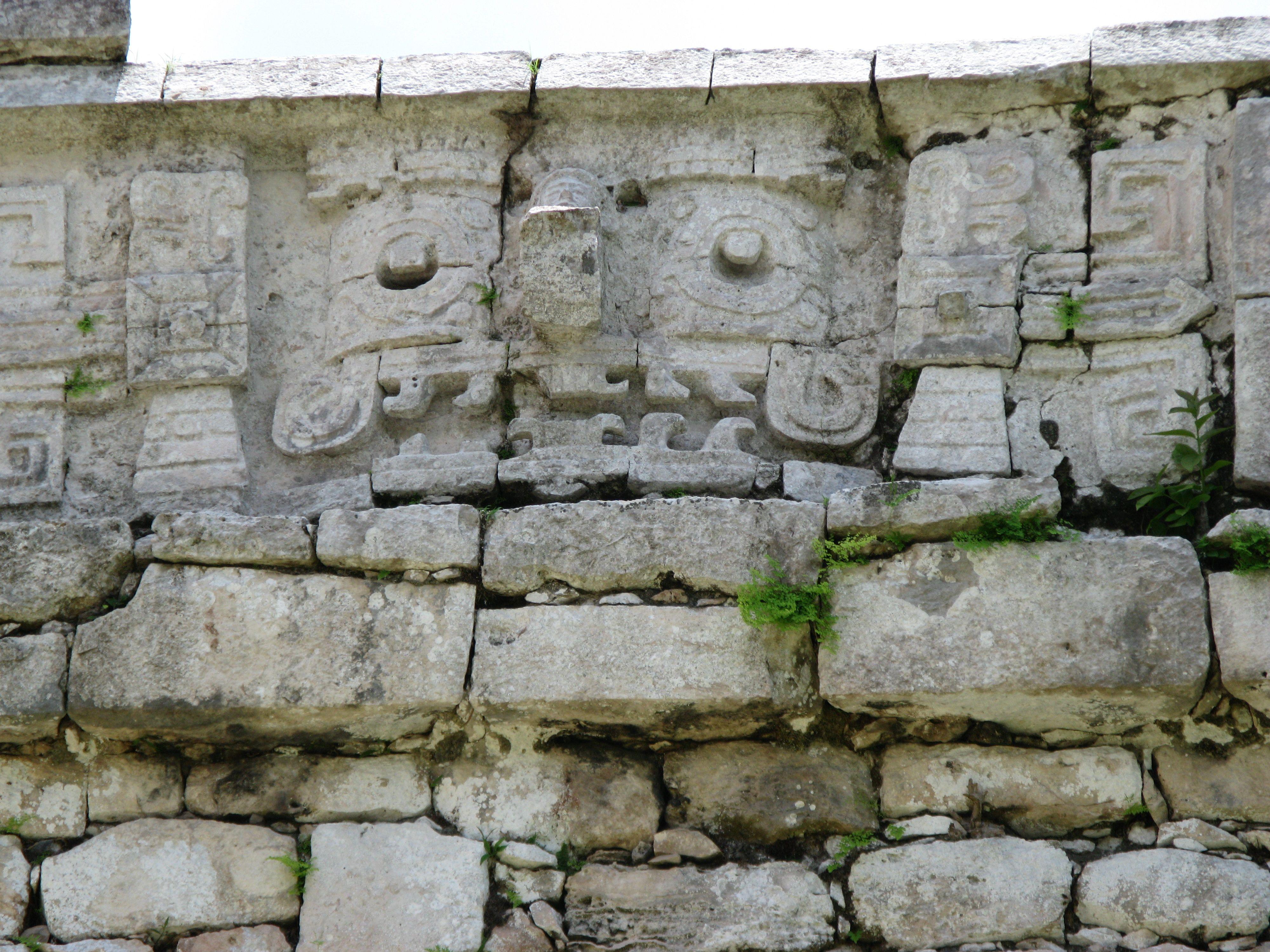 La ciudad prehispánica de Chichén Itzá fue la capital más sobresaliente del área Maya, a finales del periodo Clásico e inicios del Postclásico.