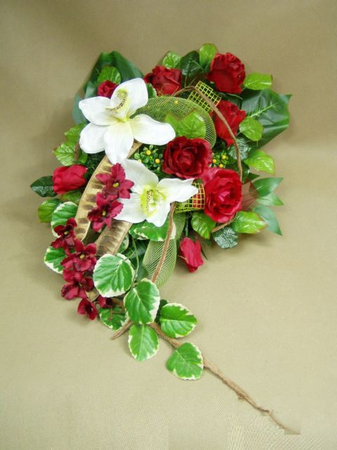 RÓŻE bordo ORCHIDEA 1062.1 ukos stroik na grób Kompozycje kwiatowe Marko604