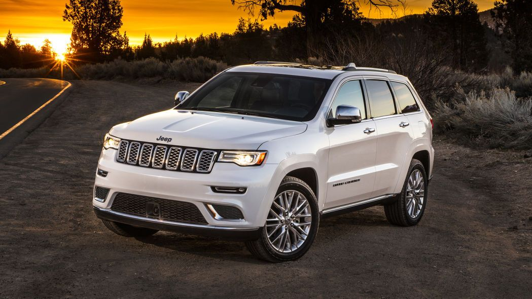 2017 Jeep Grand Cherokee Summit Photo Gallery In 2020 2017 Jeep Grand Cherokee Grand Cherokee Overland Jeep Grand