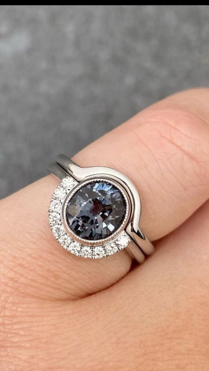 Concentric Circles Black Spinel /& Cubic Zirconia Women Wedding Anniversary Ring