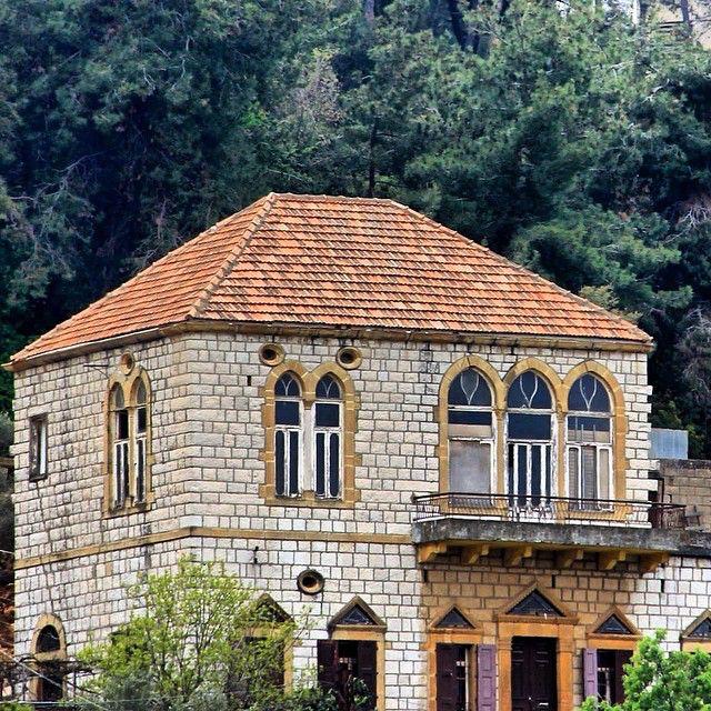 Sa3ide ya as7abb  #LEBANONHOUSES رومية Photo by Ali Badawi