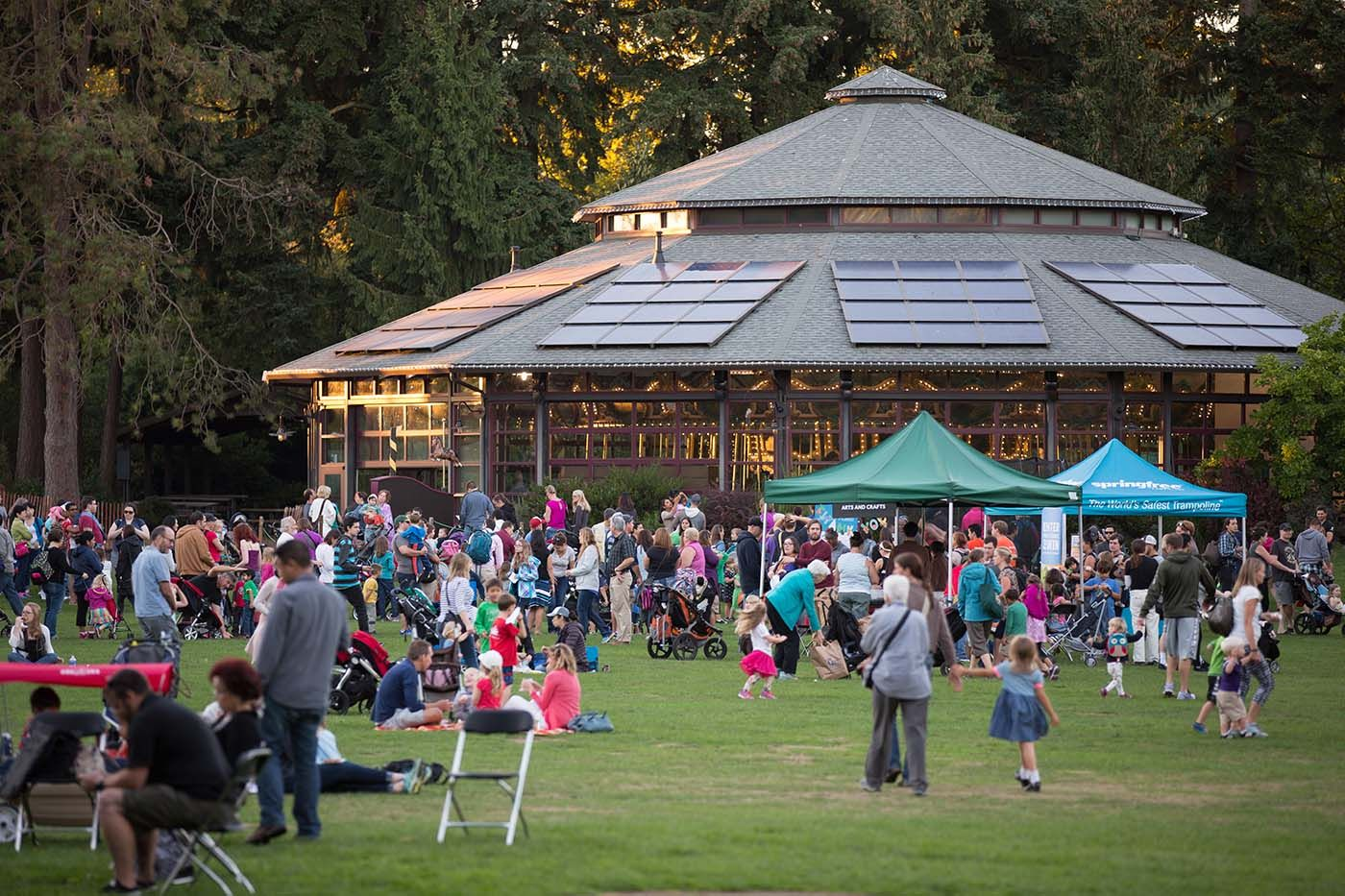 Everyone Is Invited To Celebrate The 100th Birthday Of Woodland Park Zoo S Carousel June 28 Including Free Rides From 6 3 Woodland Park Zoo Woodland Park Park