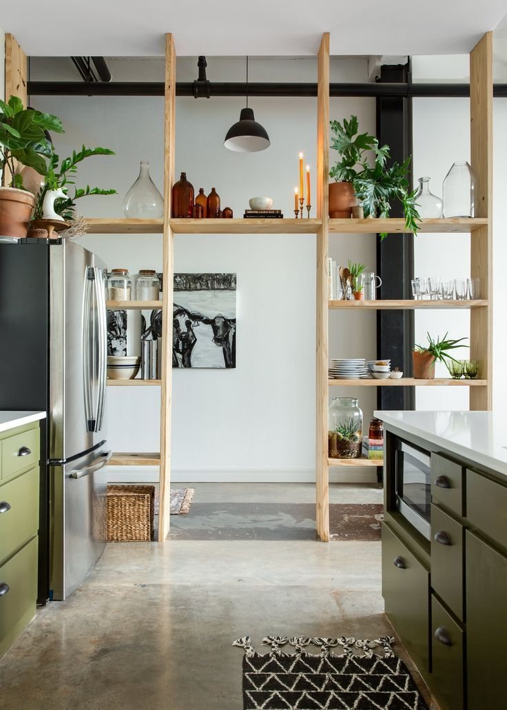 Photo of This Rental Apartment's Shelf Wall Is Simple But Stunning