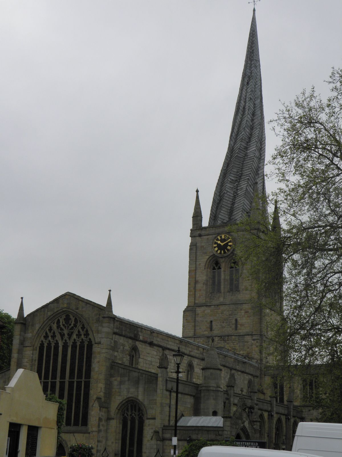 Chatsworth House Private Area: Crooked Church Spire In Chesterfield. Good Town To Kick