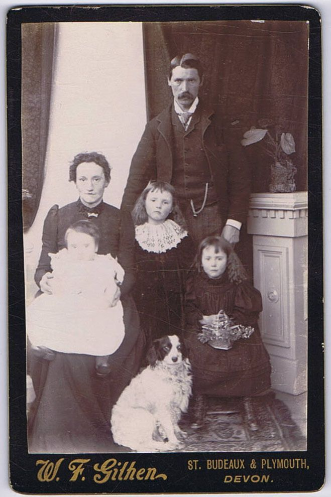 CABINET CARD Photograph Victorian Family with Pet Dog by Githen of Plymouth