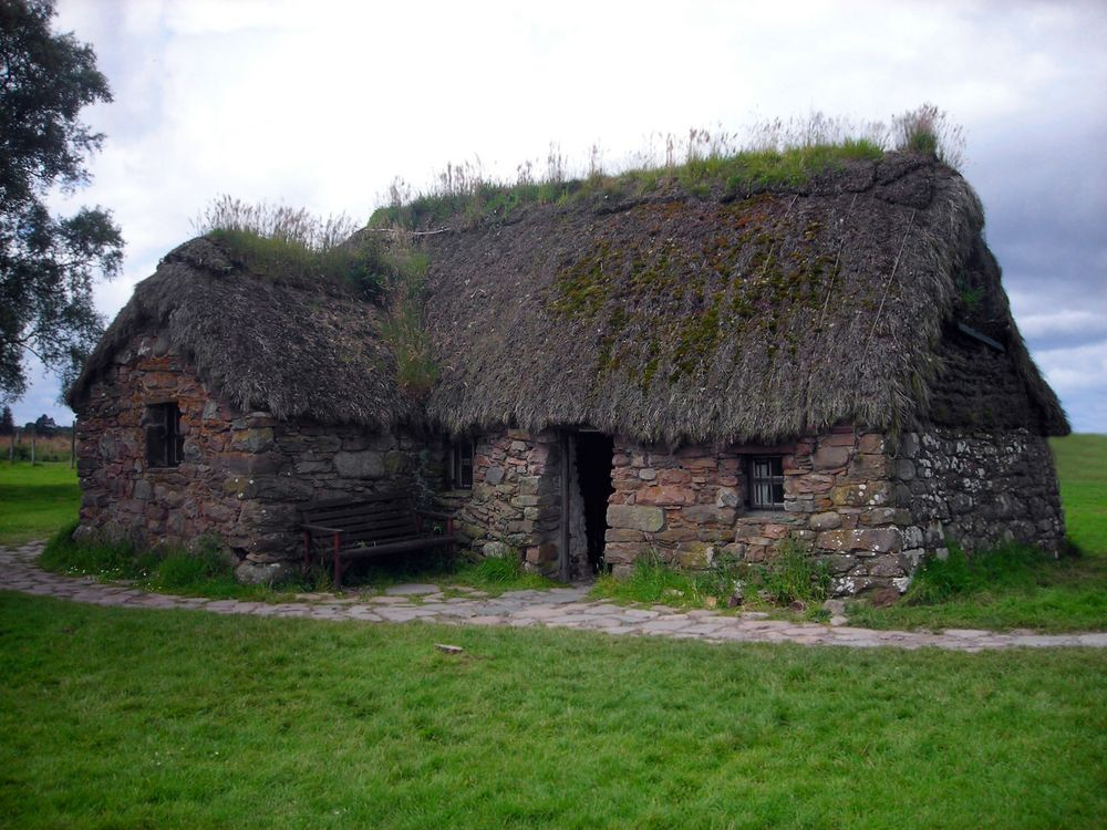 Thatched cottage Scotland at Culloden Cottages scotland