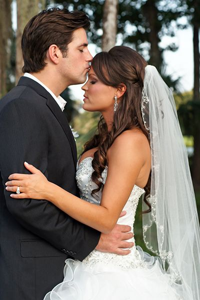 Half Up Half Down Wedding Hairstyles With Tiara And Veil With Veil Half Up Hair Hair Styles Long Hair Styles