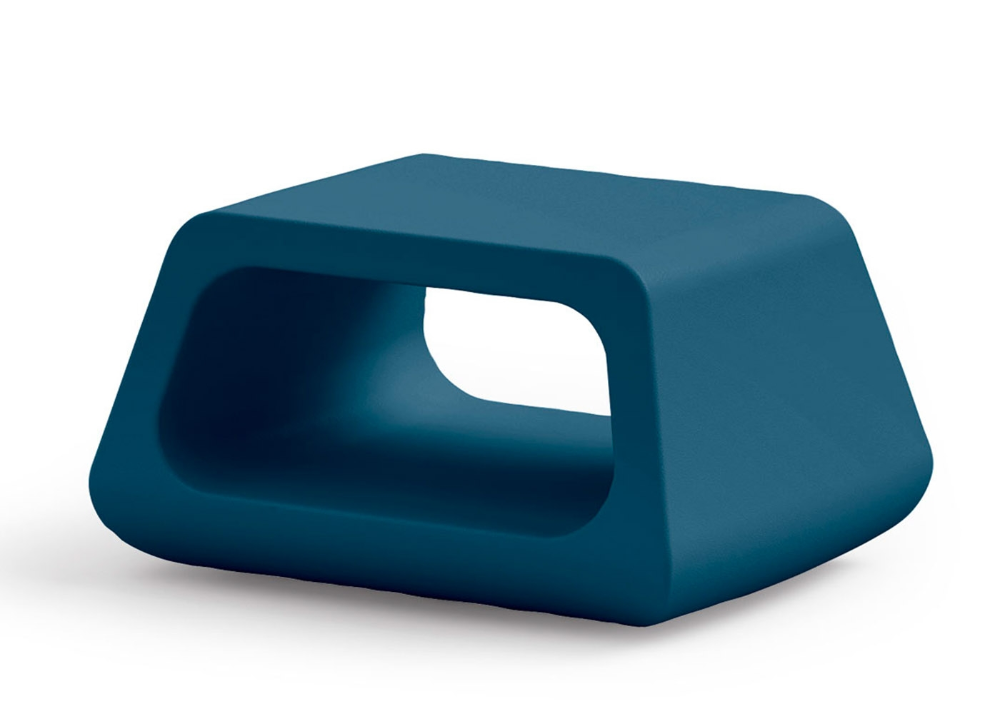 Table Basse De Jardin En Plastique Colore Chez Ksl Living En 2020 Table Basse Jardin Table Basse Table D Appoint Design