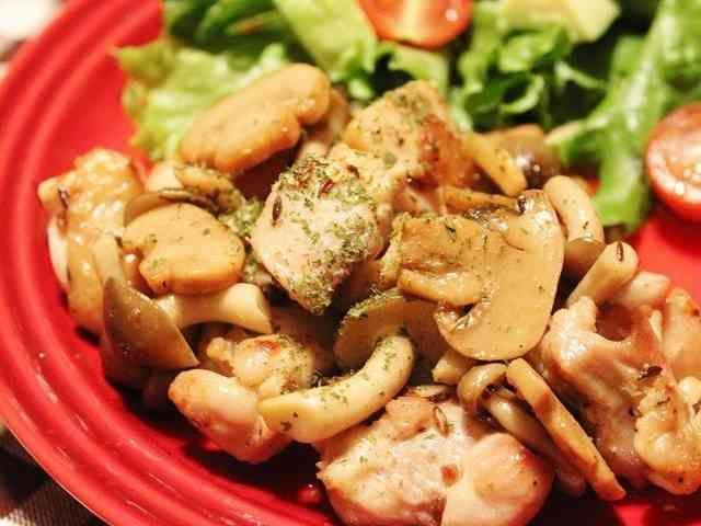 簡単☆クミン香る鶏と茸のガーリックソテーの画像