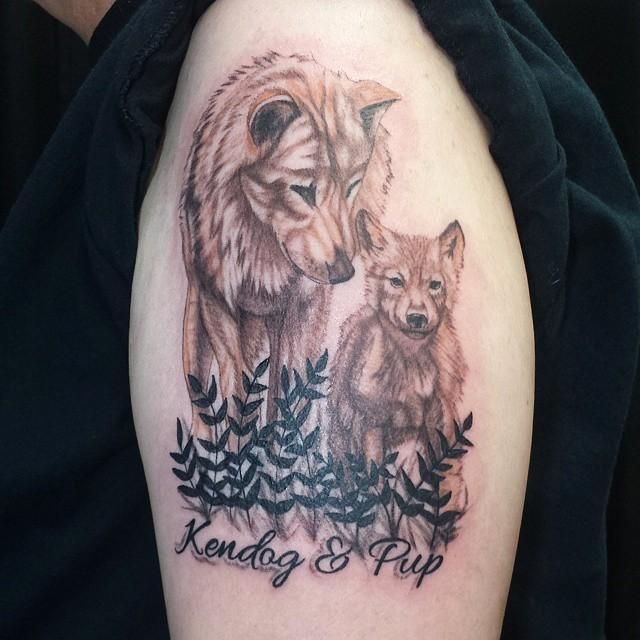 13 Lobo bebe tatuaje