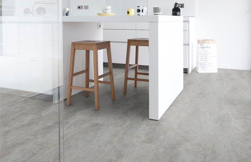 Combineer deze pvc vloer met accessoires van beton betonbehang